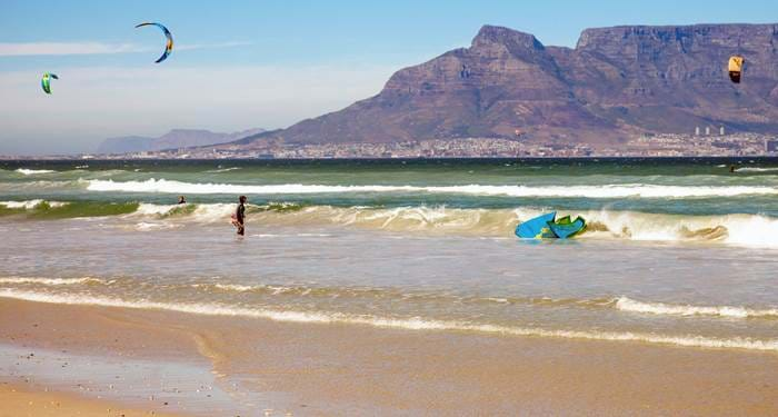 kitesurfing-south-africa-capetown-table-mountain-cover